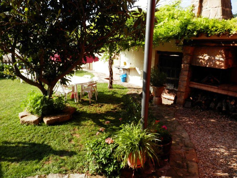 casa rural con jardín en Castelserás